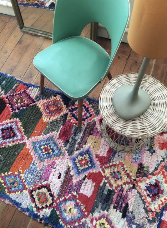 #vintage #ikat #boho #bohostyle #bohodecor #bohemian #bohemiandecor #bohemianstyle #tissus #indonesian #indonesianfabric #homedecor #homesweethome #plaid #vintageblanket #nillaespritboheme #decoration #interiordesign #hippiehomedecor #hippie #hippiestyle #hippiechic #hippielove #stayhome #shoppingonline #brocante #brocanteenligne #indianhomedecor #tapis #tapisberbere #tapismarocain #moroccanrugs #vintagerug