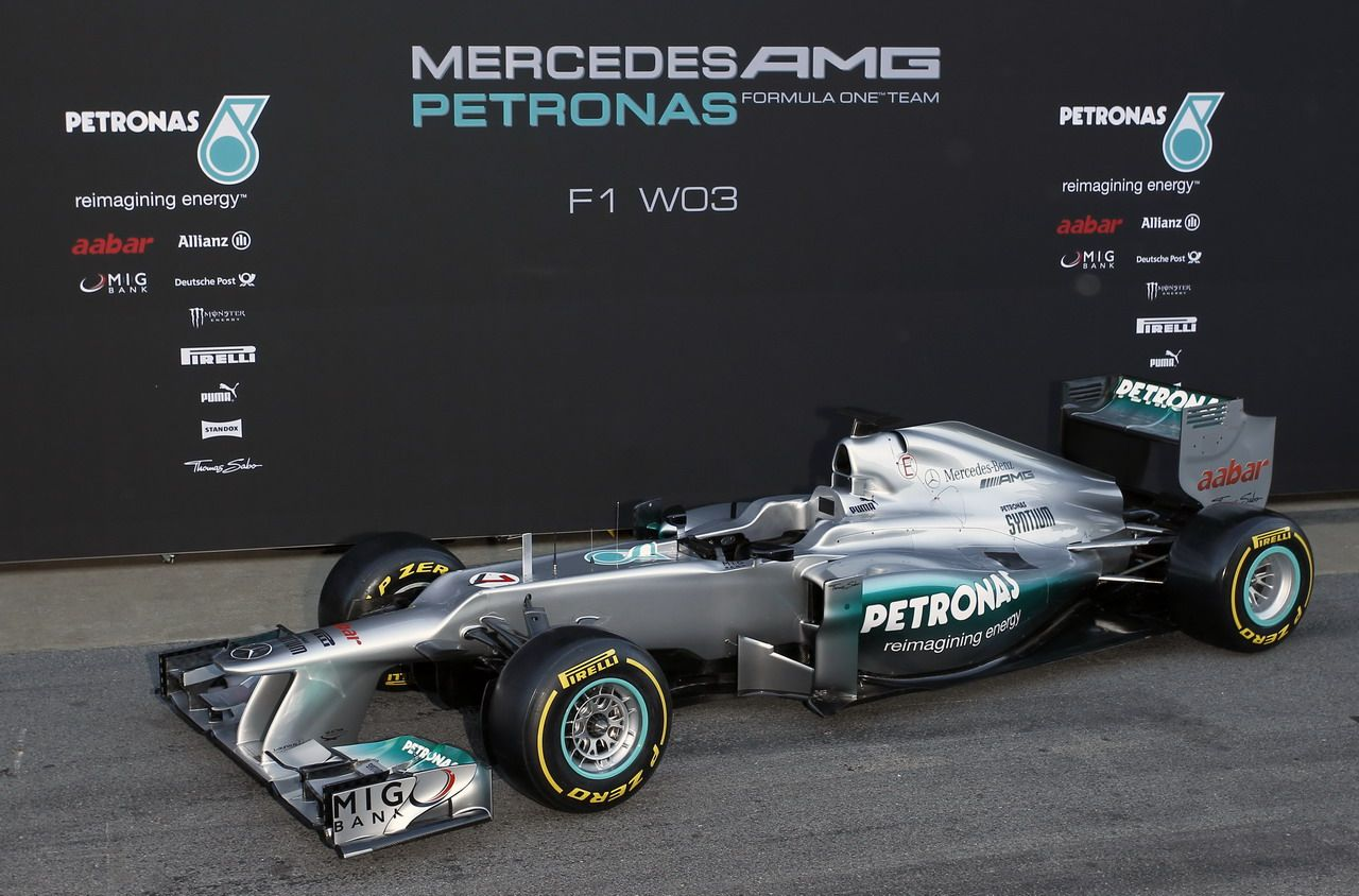 race# 3 chinese grand prix. the silver arrow returns! mercedes amg