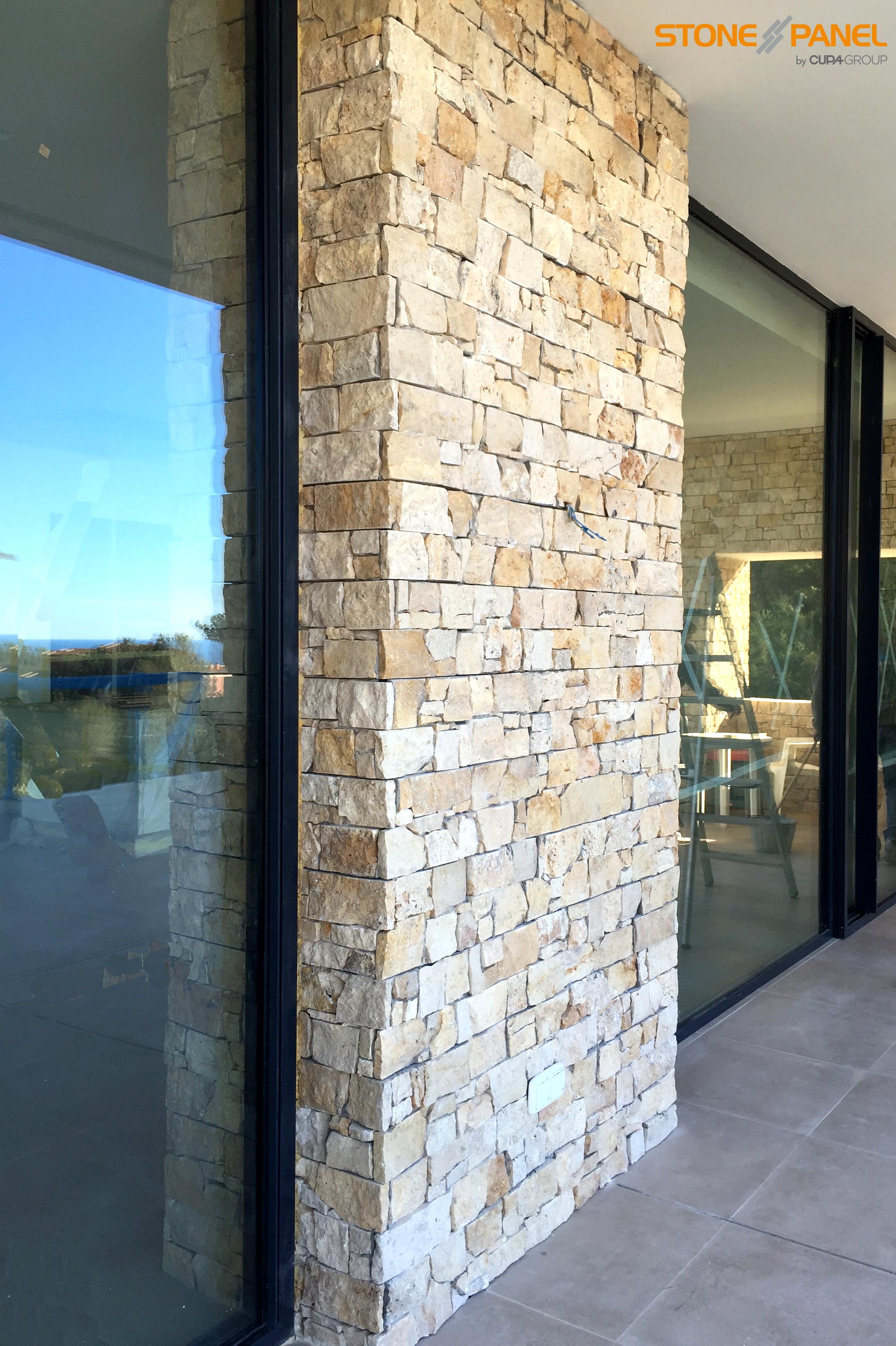 Stonepanel nilo potencia la luz natural en una vivienda for Diseno exterior casa contemporanea