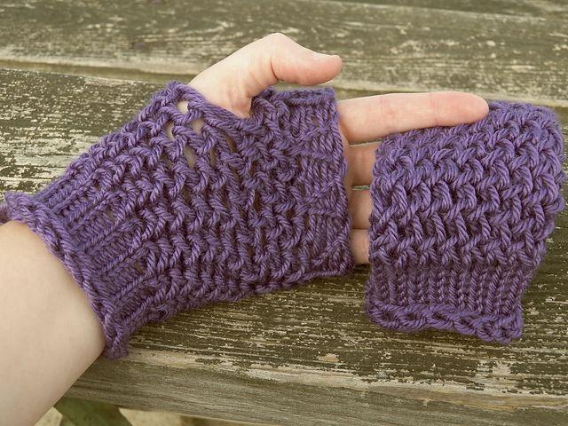 Loom Knit - Figure 8 Fingerless Gloves pattern using M Stewart Loom ...