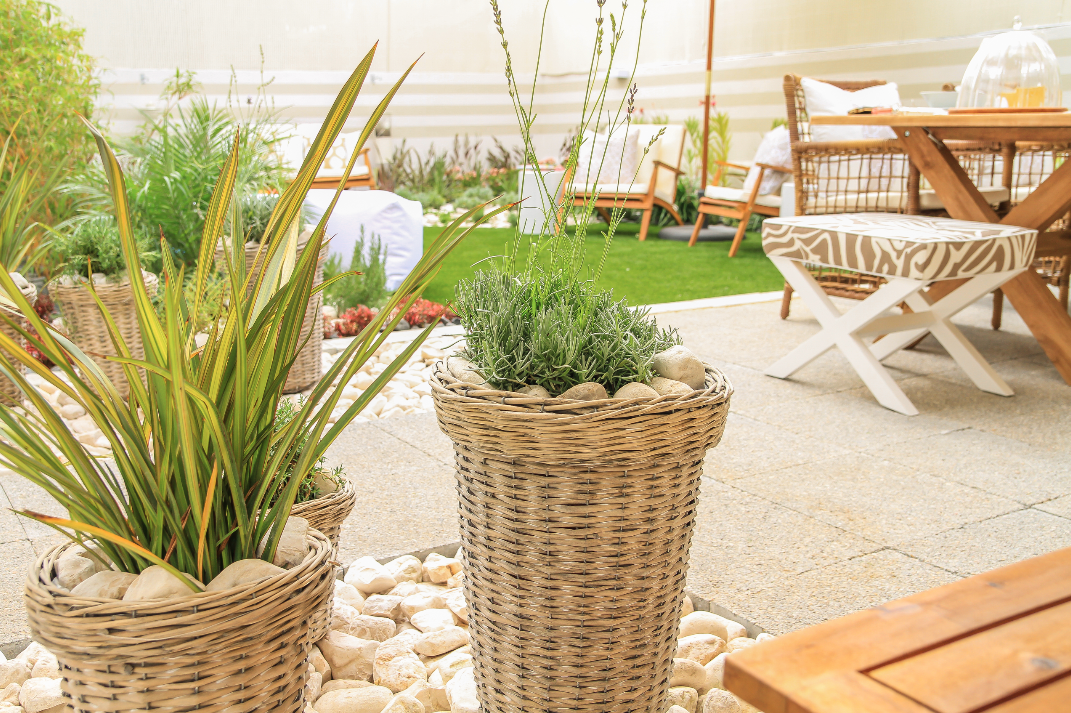 Ana Antunes | Exteriores | Outdoor Dining Furniture | Outdoor Pots and Plant