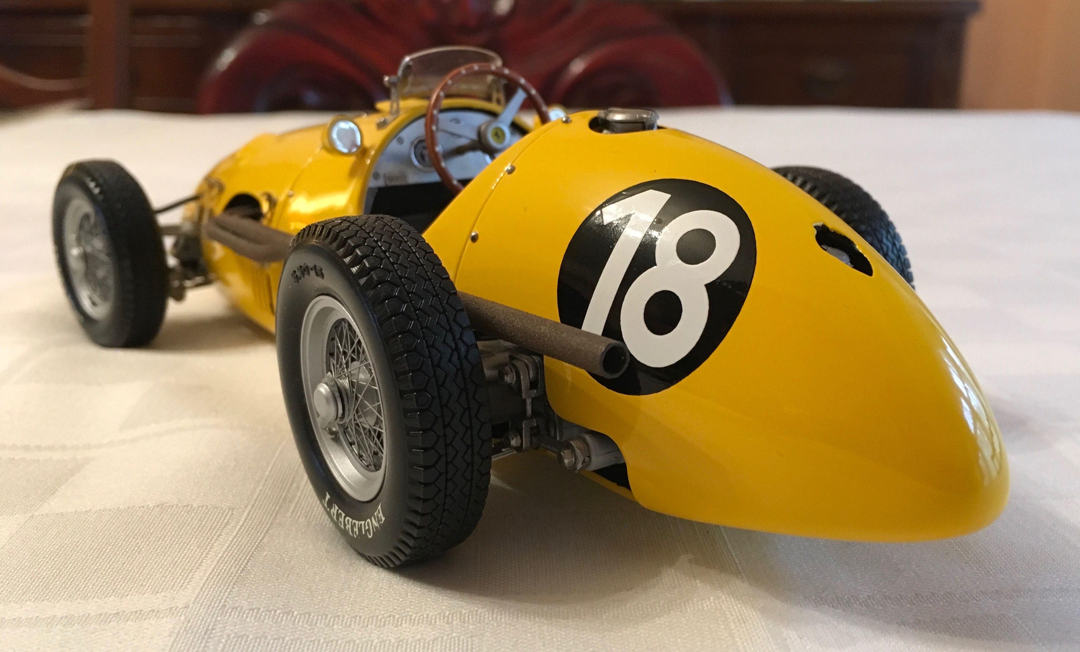 1952 Ferrari Tipo 500 F2 by Exoto in 1/18 scale | Scale