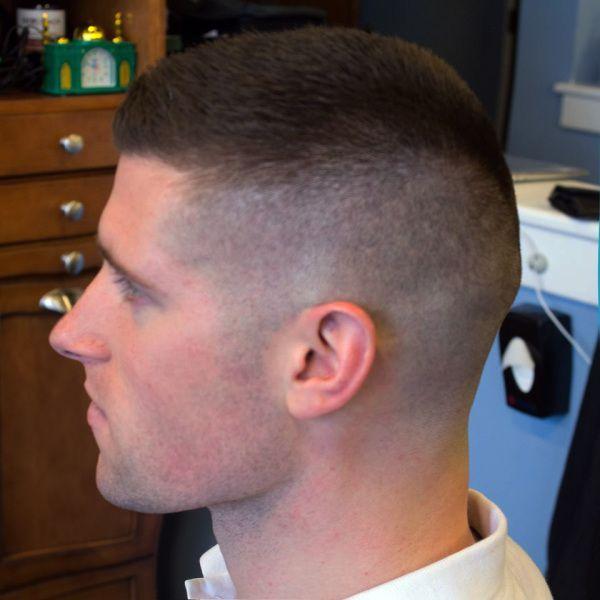 Corto Difuminado Fade Haarschnitte Fur Herren Armee Haarschnitt Hipster Haarschnitte
