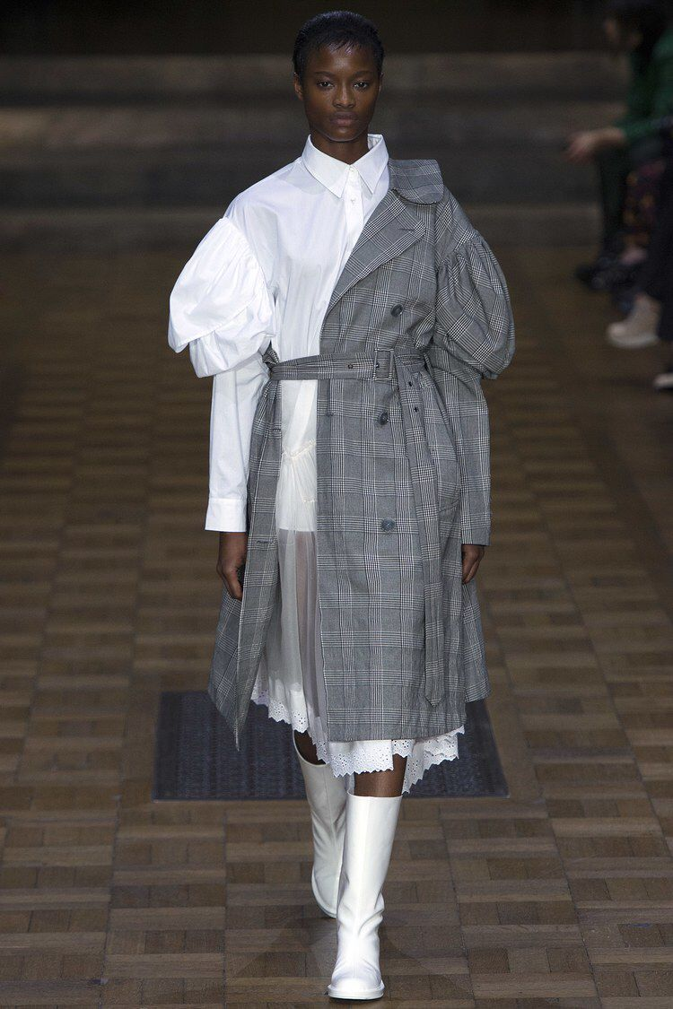 Simone Rocha Spring 2017 Ready-to-Wear Fashion Show ...