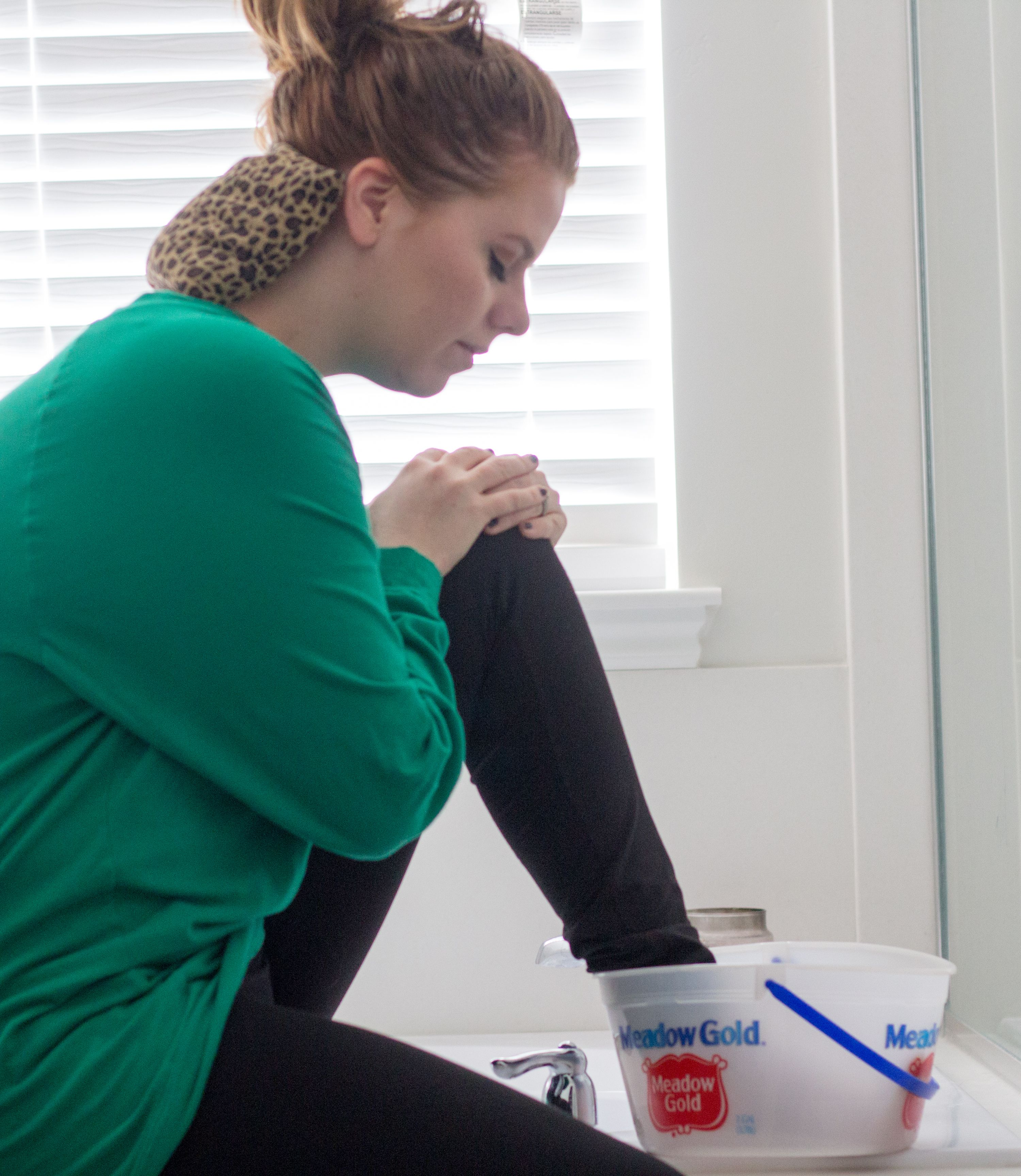 migraine foot bath. Tips on relieving migraine and joint pain. #StopPainNow #ad #cbias