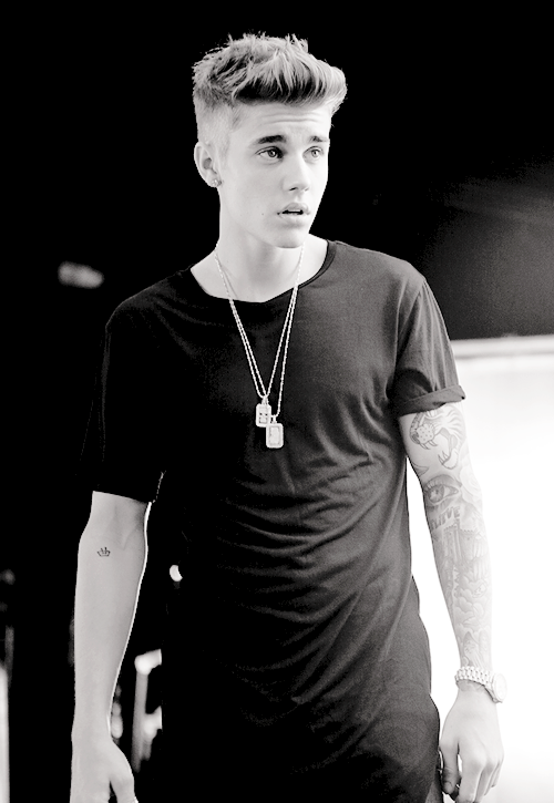 Justin Bieber Photoshop Eidted Beautiful Black White Picture 2014