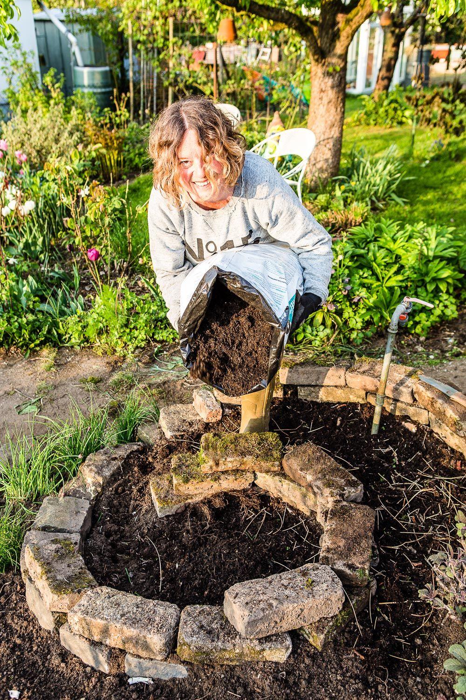 Bauanleitung für eine Kräuterspirale - Blumen, Kohl & Rock'n'Roll