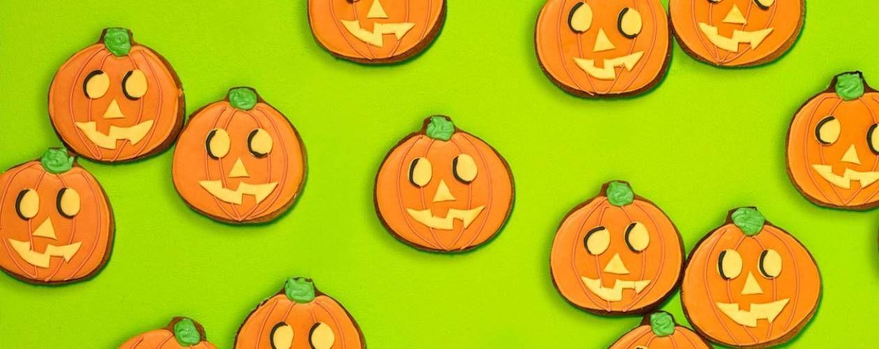 Pumpkin emoji gingerbead biscuits Recipe Pumpkin emoji, Emoji - asda halloween decorations