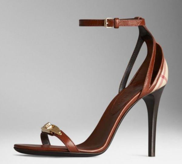 sandali-in-pelle-a-briglia-con-lucchetto-burberry  #sandali #sandals #heels #tacchi #womanshoes #fashion #mood #trend #shoes2014 #scarpedonna #shoes #scarpe #calzature #moda #woman #fashion #springsummer #primaveraestate #moda2014 #springsummer2014 #primaveraestate2014 #burberry