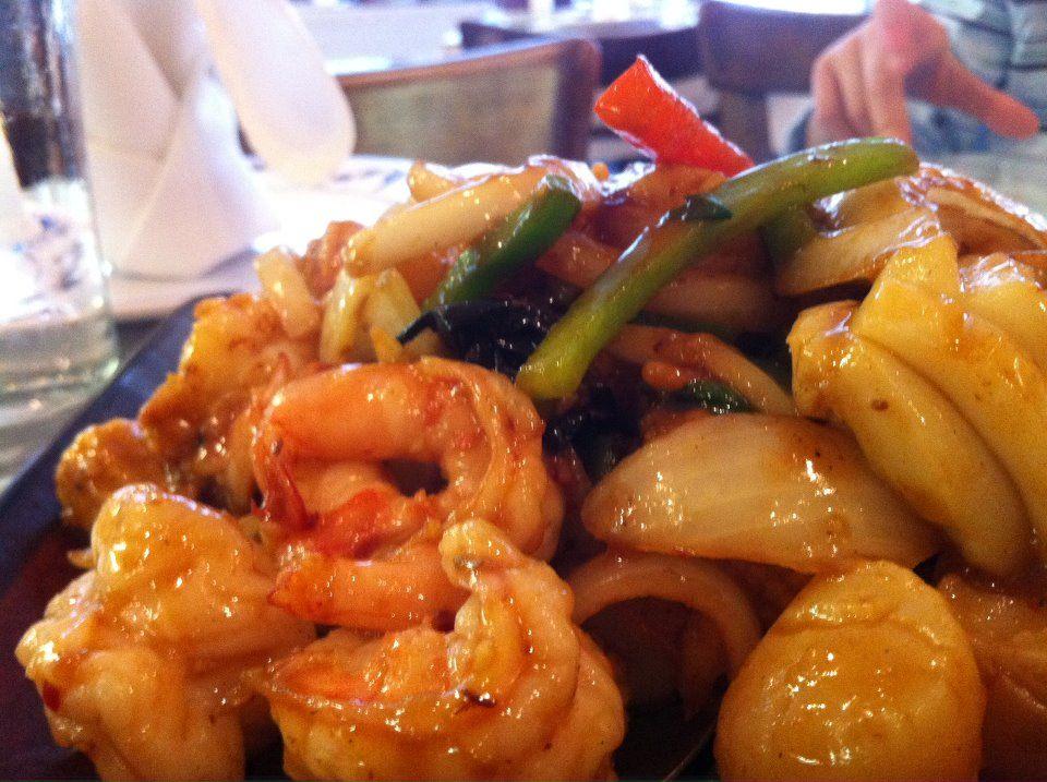 Basil seafood, Hunan Taste.   ETeam: Elda, Tracy and Chris.