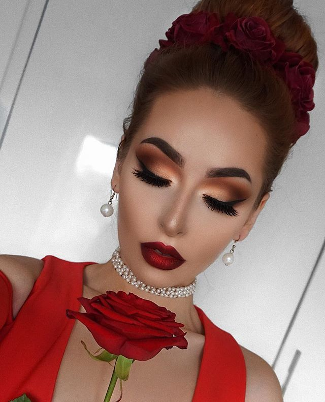 """With love, Nadia on Instagram: """"What is your favourite flower? 🌹🌷🌸 _____ Face: @toofaced Born This Way (Vanilla) @anastasiabeverlyhills Bronzer """"Cappuccino"""" and @amrezy…"""""""