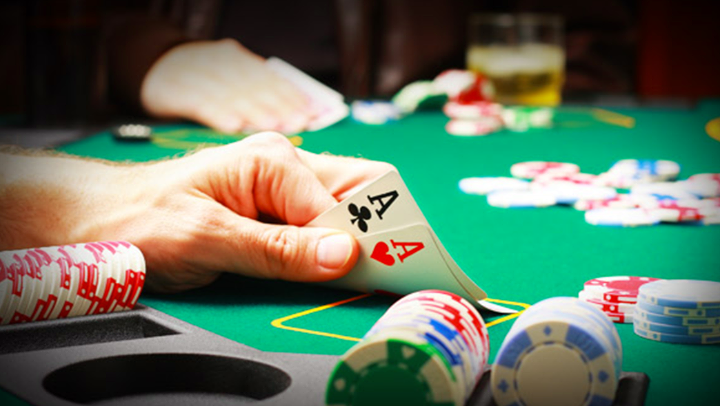 Computers can now challenge and defeat pro poker players