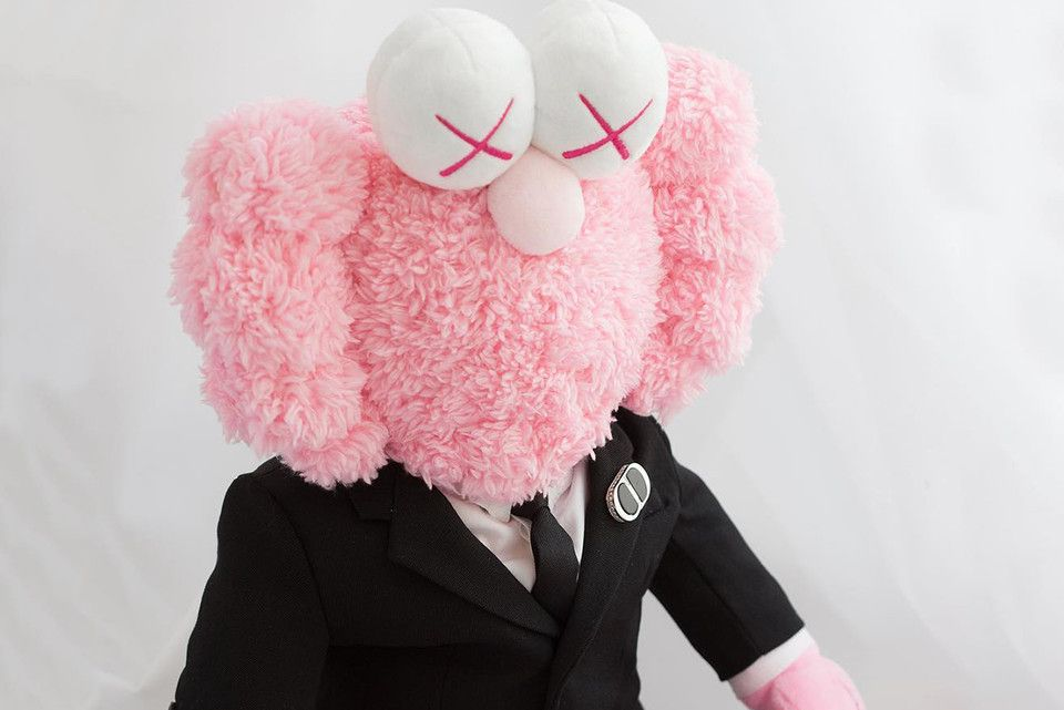 e6f424cf Dior x KAWS Pink 'BFF' Plush Lands on StockX for $9,999,999 USD in ...