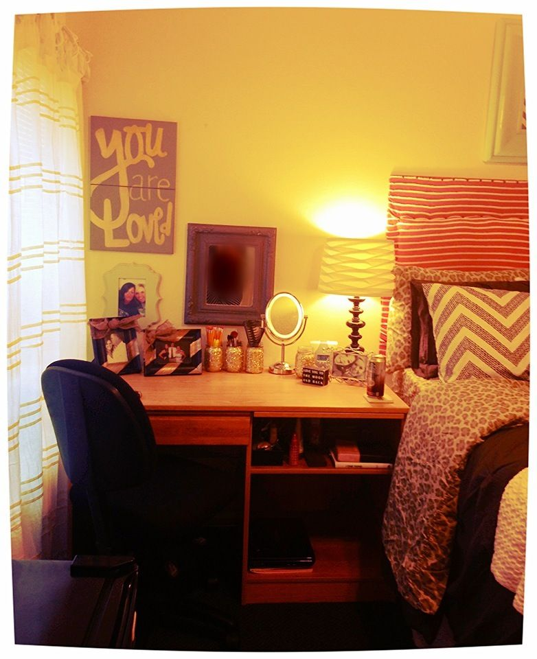 Dorm room furniture pinterest body escuela y cuerpo for Dorm room decor quiz