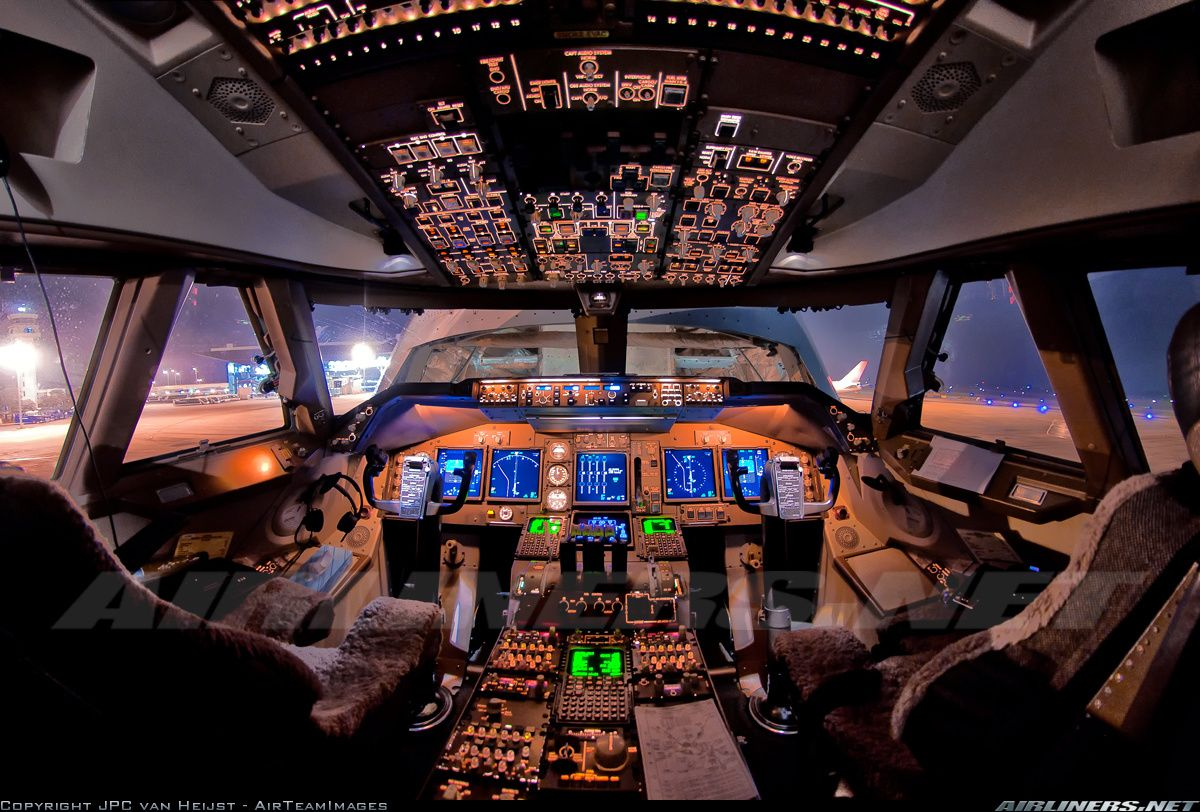 Boeing 747 4r7f scd aircraft picture aviacja pinterest for Airplane cockpit wall mural