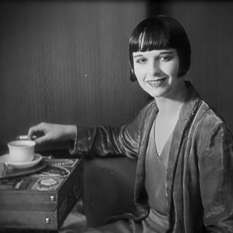 Louise Brooks Biography - Childhood, Life Achievements