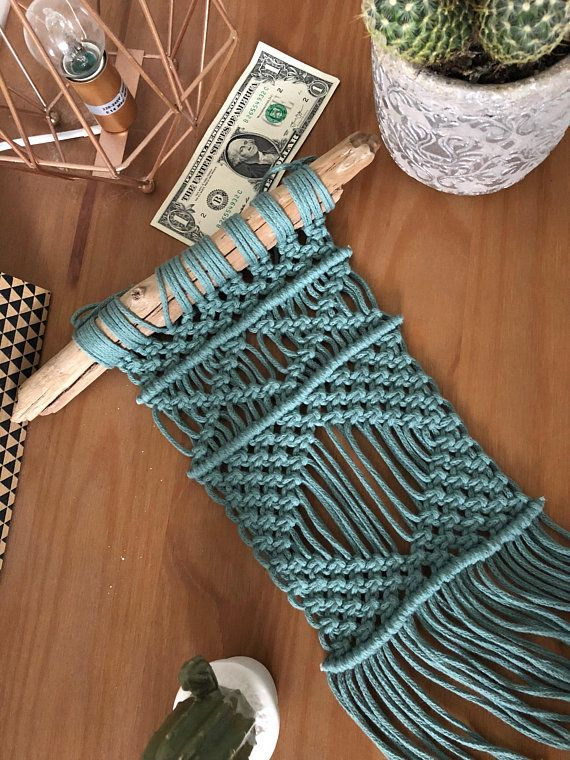 macram mural fait main en corde de coton de couleur vert deau id al comme d co pour faire. Black Bedroom Furniture Sets. Home Design Ideas