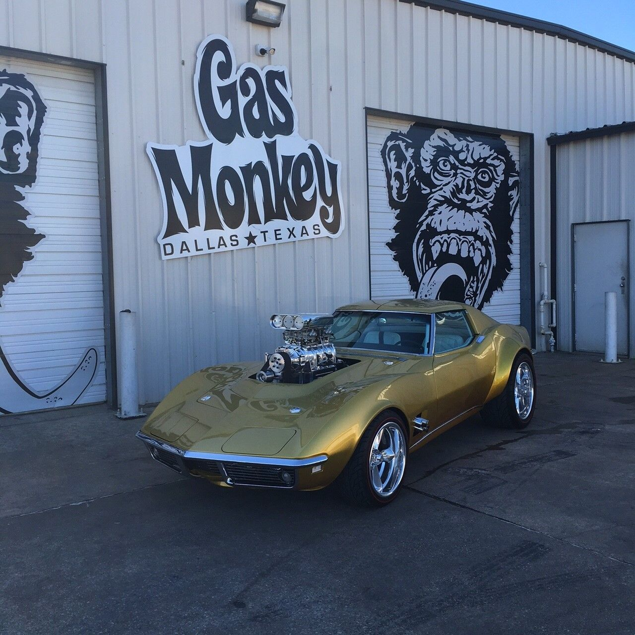 gas monkey garage needed to add some power to their latest creation so they called on holley. Black Bedroom Furniture Sets. Home Design Ideas