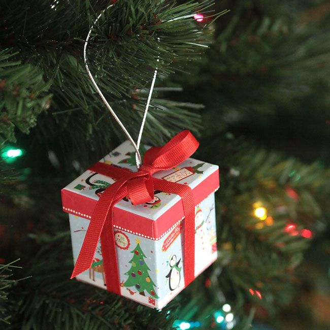 Easy Diy Gift Box Christmas Ornaments From The Dollar Store I Diy Christmas Tree Ornaments Dollar Store Christmas Decorations Dollar Store Christmas Crafts