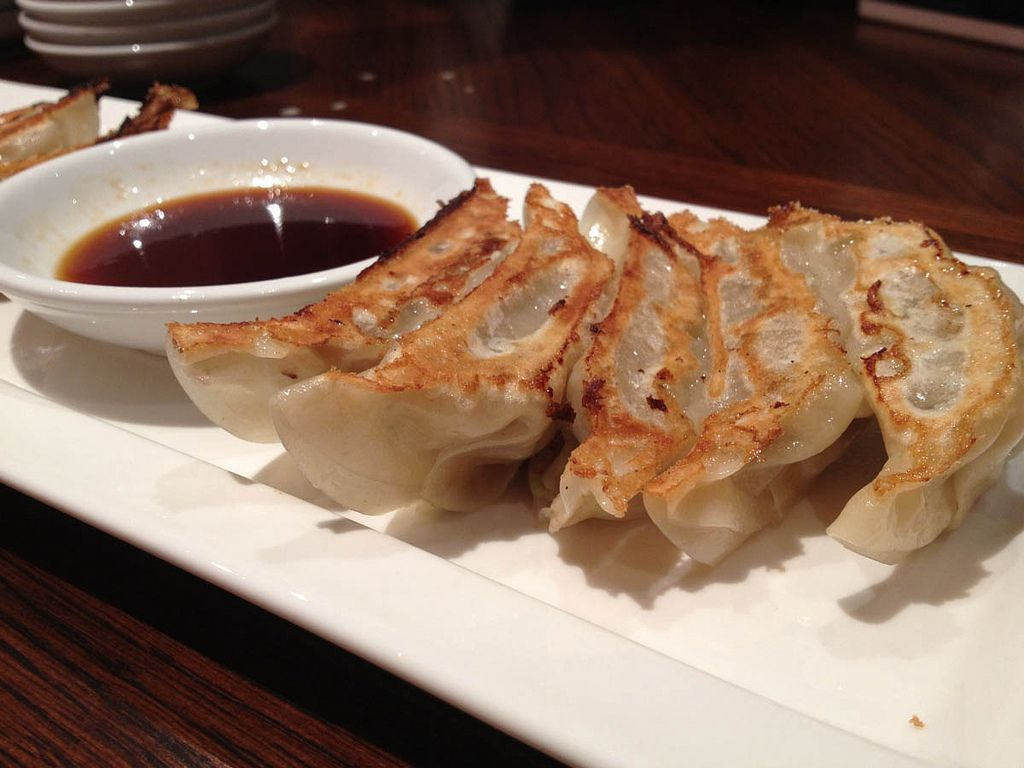 Everyone loves dumplings a guide to dumplings around the world chinese dumplings forumfinder Gallery