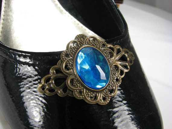 Filigree shoe clips add personality to plain jane shoes