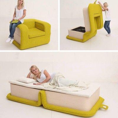 designer russe elena sidorova a cree flop un fauteuil qui se deplie pour se transformer en un lit une place recouvert a 100 de laine