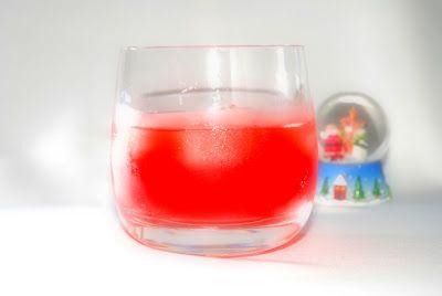 La Piccola Casa: Il cocktail del sabato: la ricetta del Russian rose on the rocks
