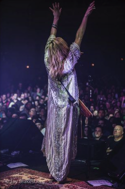 Grace Potter Grace Potter Fun To Be One Guitar Girl