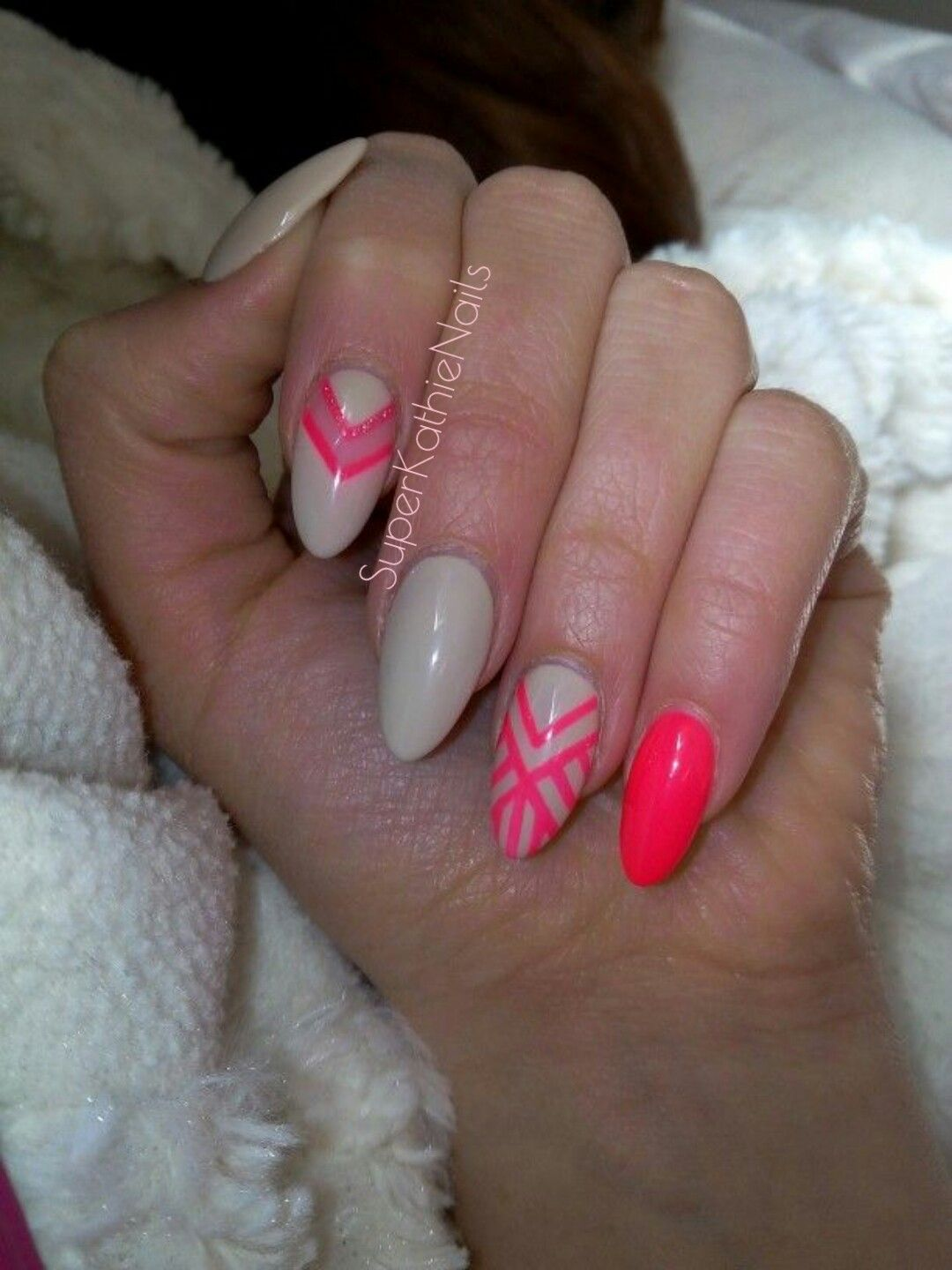 Almond Nails Neon vs. Nude | NAILS | Pinterest | Almond nails