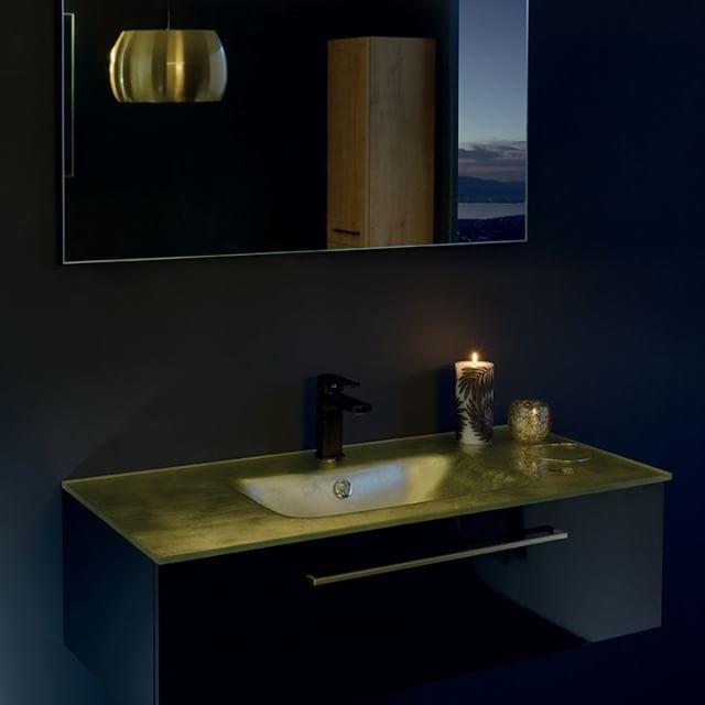 Vous d�sirez une salle de bain pas comme les autres? Ce meuble halo or et noir apporte �l�gance et modernit� � votre pi�ce.   #sanijura #halo #salledebain #salledebaindesign #bathroom #decosalledebain #decomaison #bathroominspo #homedeco #ideedeco #home #