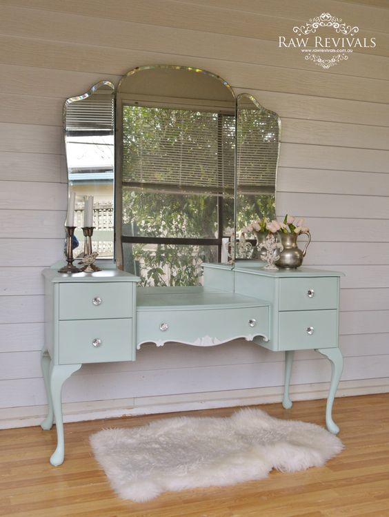 Curls and Pearls: Vanities Re-imagined from Decor and More from Heidi Milton #bedroomvintage