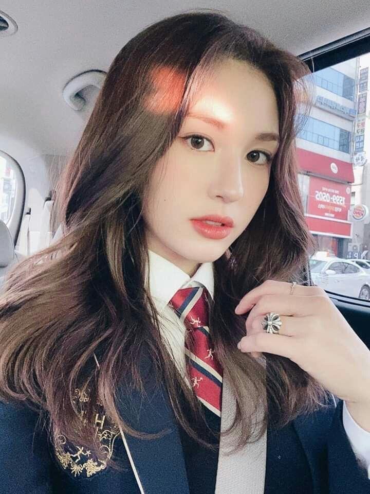 จอนโซมี (Jeon Somi) แสดงความคิดเห็นในกรณีข่าวเสียหายของค่าย YG