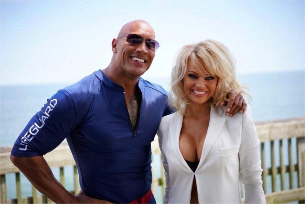 Un cameo per l'ex bagnina: Pamela Anderson nel cast del film Baywatch
