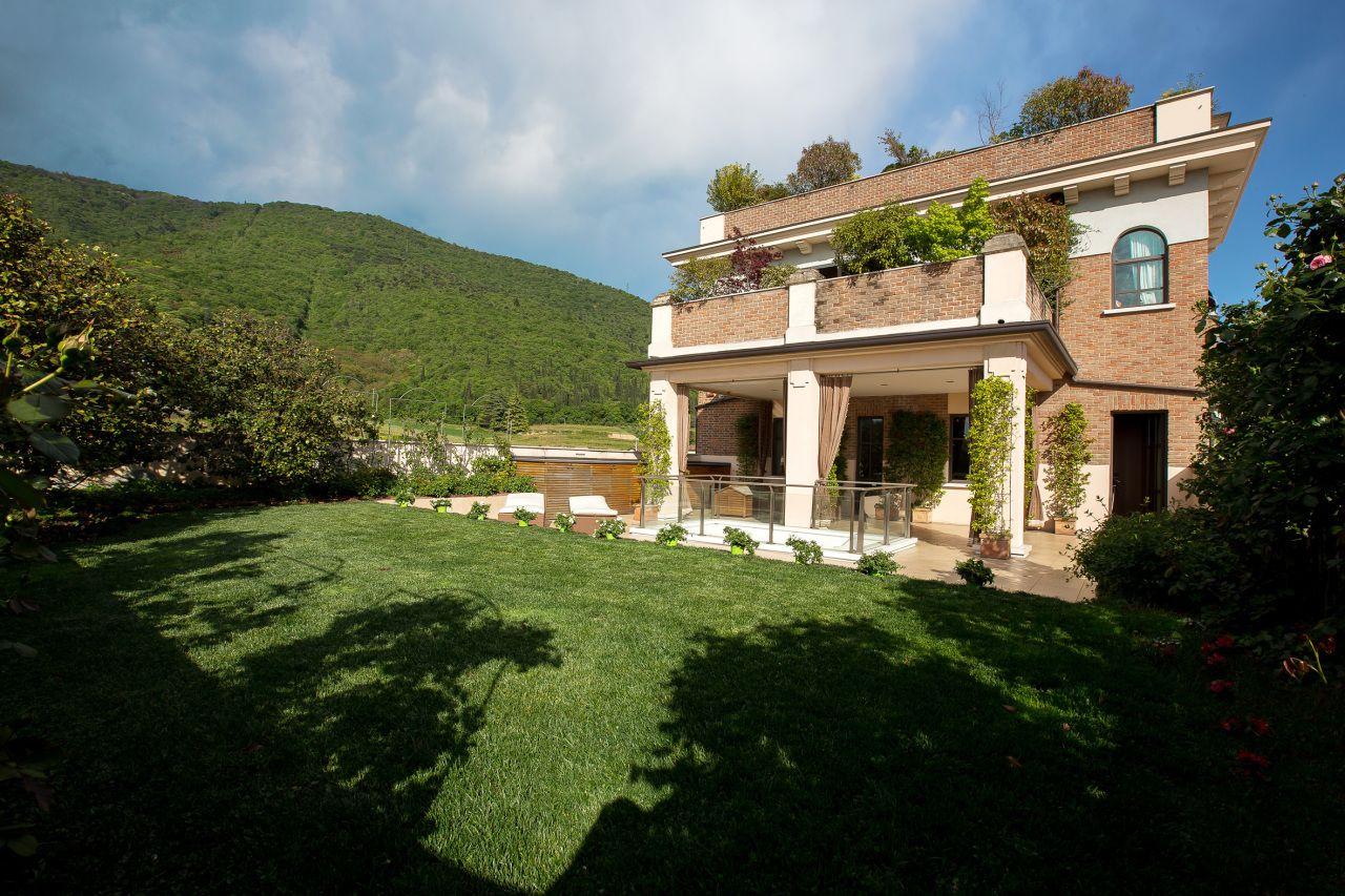 terrazzo con #giardino pensile. #brescia #dreamhome | Case da sogno ...
