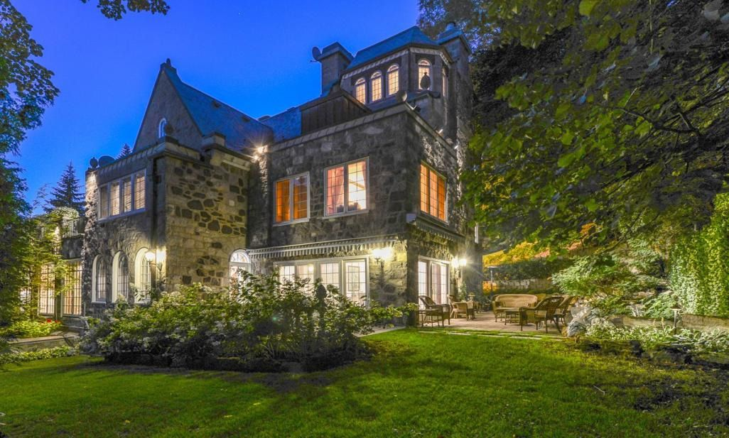 Single Family Home For Sale At Westmount Estate Within 2 Miles Of Montreal Quebec Canada 621 Avenue Luxury Real Estate Marketing Luxury Real Estate Westmount