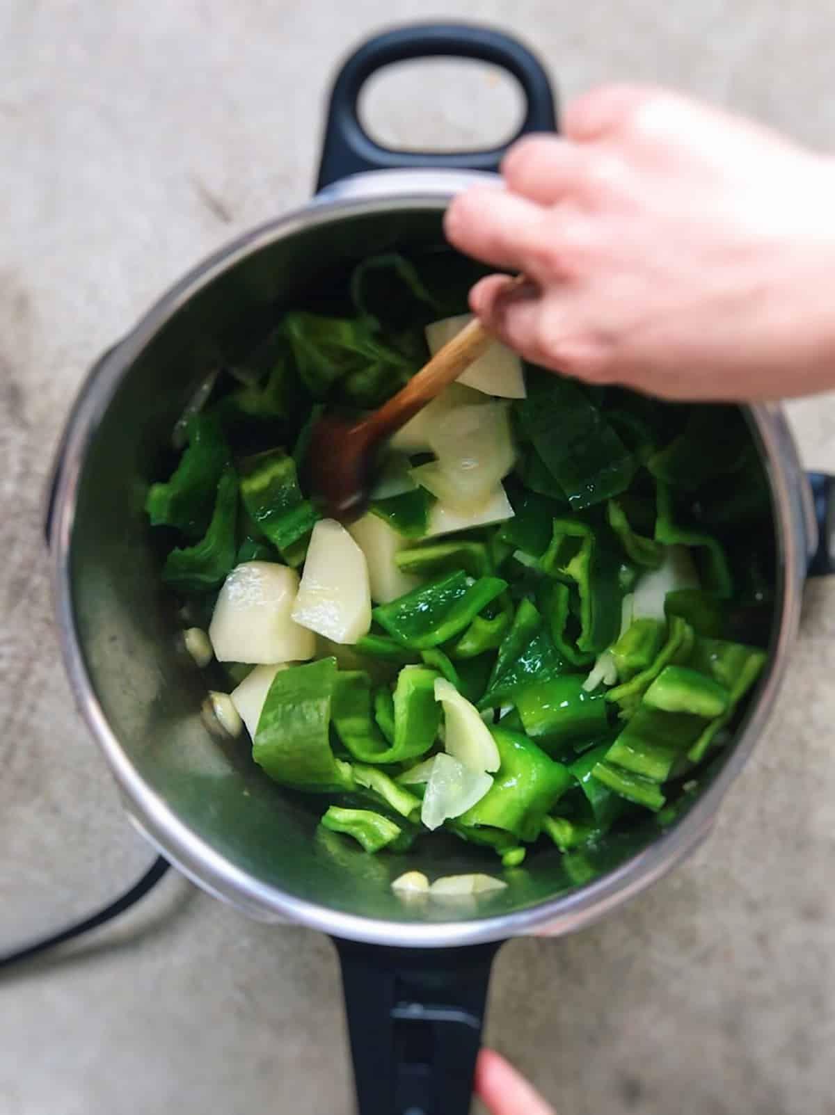 Crema De Pimientos Verdes Ligera En Olla Rápida Deliciousspanishfood Com Receta Recetas De Comida Blogs De Comida Pimientos