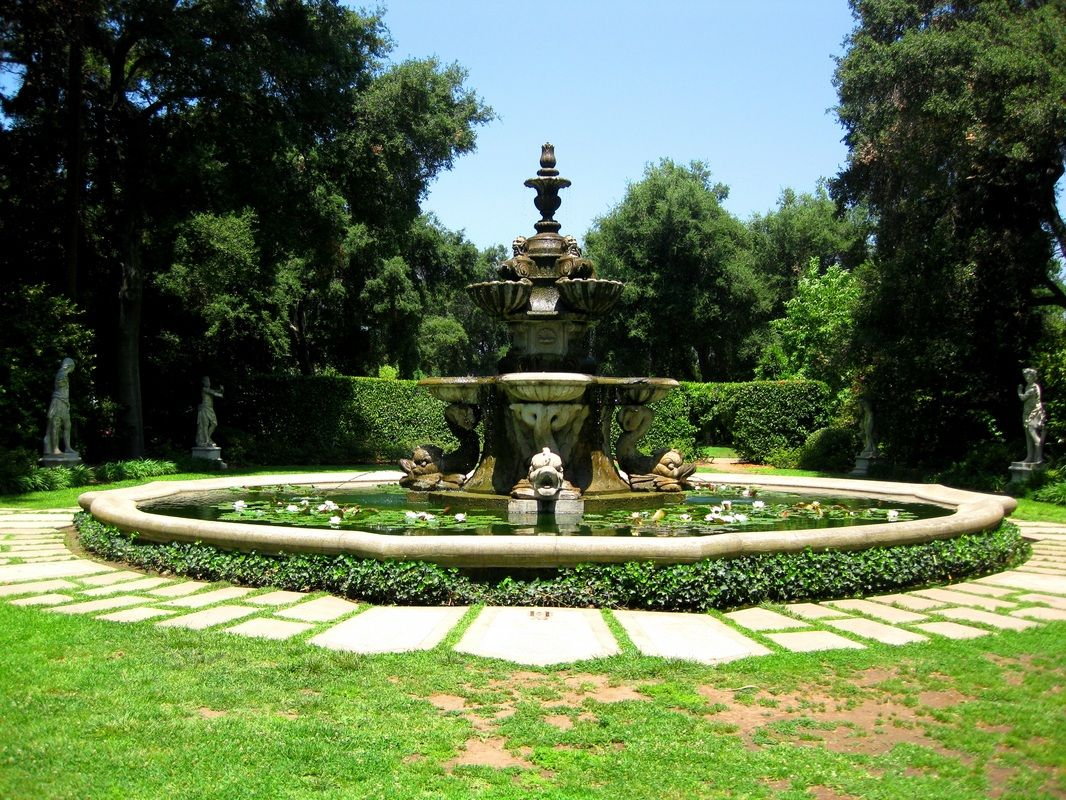 Fountain In The Statue Garden At The Huntington Library Botanical Gardens In San Marino Ca
