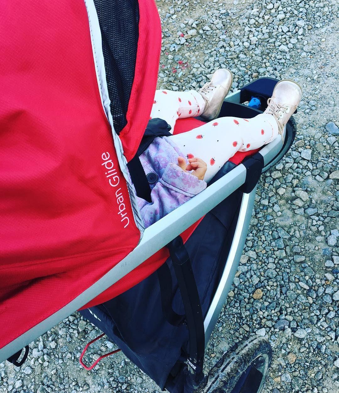 Lubicie Poniedzialki My Swoj Zaczynamy Aktywnie I W Biegu Dzis Starszaki W Przedszkolu Wiec Instamama Wrzucila Naj Baby Car Seats Baby Car Car Seats