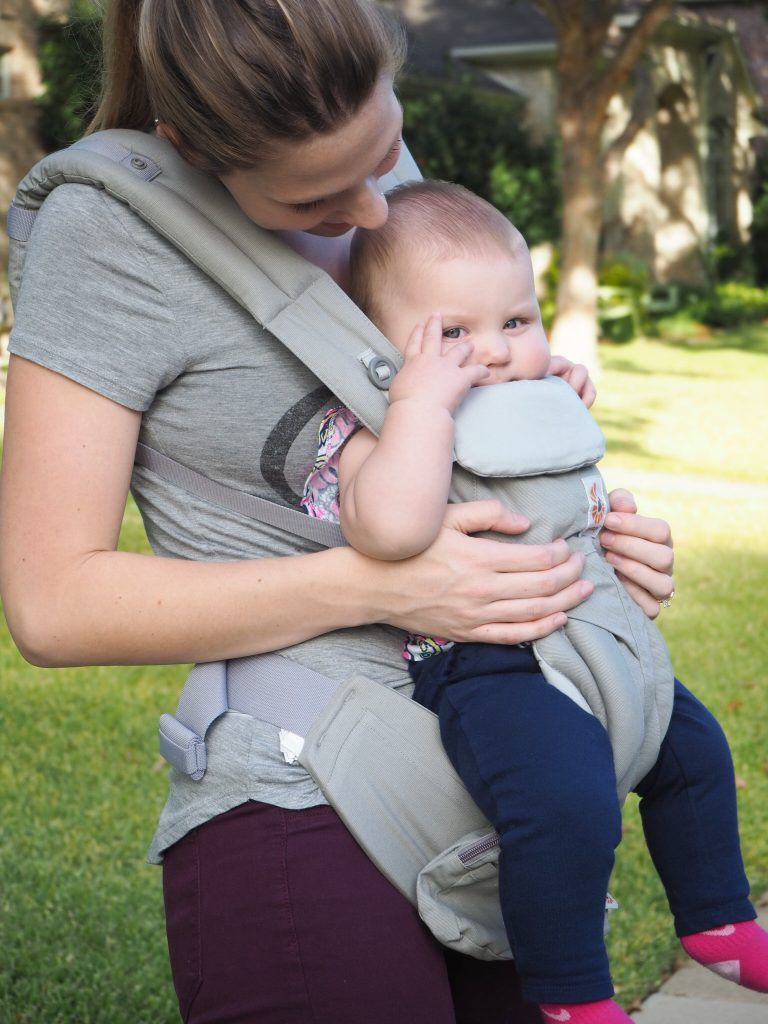 Ergo Omni 360 According To Ashley Best Baby Carrier Flying With A Baby Mom And Baby