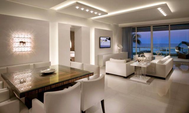 Abgehängte Deckenpaneele für indirekte Wohnzimmerbeleuchtung - beleuchtung wohnzimmer ideen