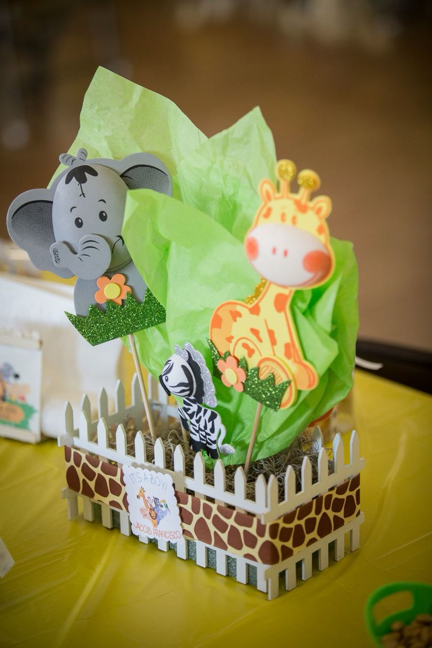 Safari themed baby shower centerpiece | Baby shower ...
