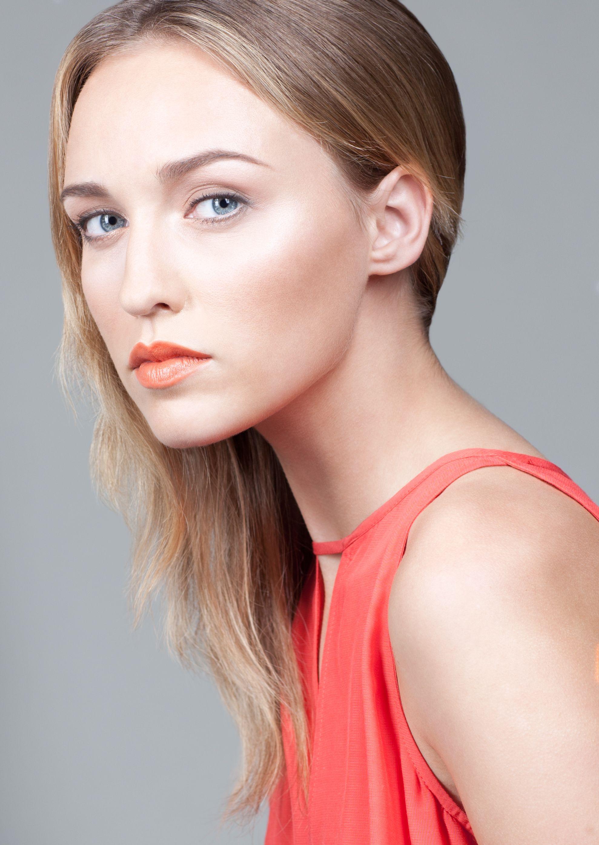 Photographer Nadya Novitchenko Model Haley Gordon Makeup