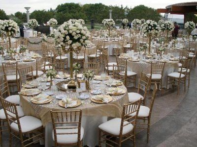 Mixing of white and ivory | Weddings, Style and Decor | Wedding ...