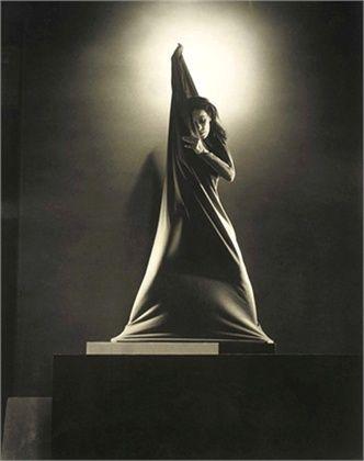 Edward Steichen Jean (27 marzo 1879 - 25 Marzo 1973) è stato un  fotografo  e pittore americano,