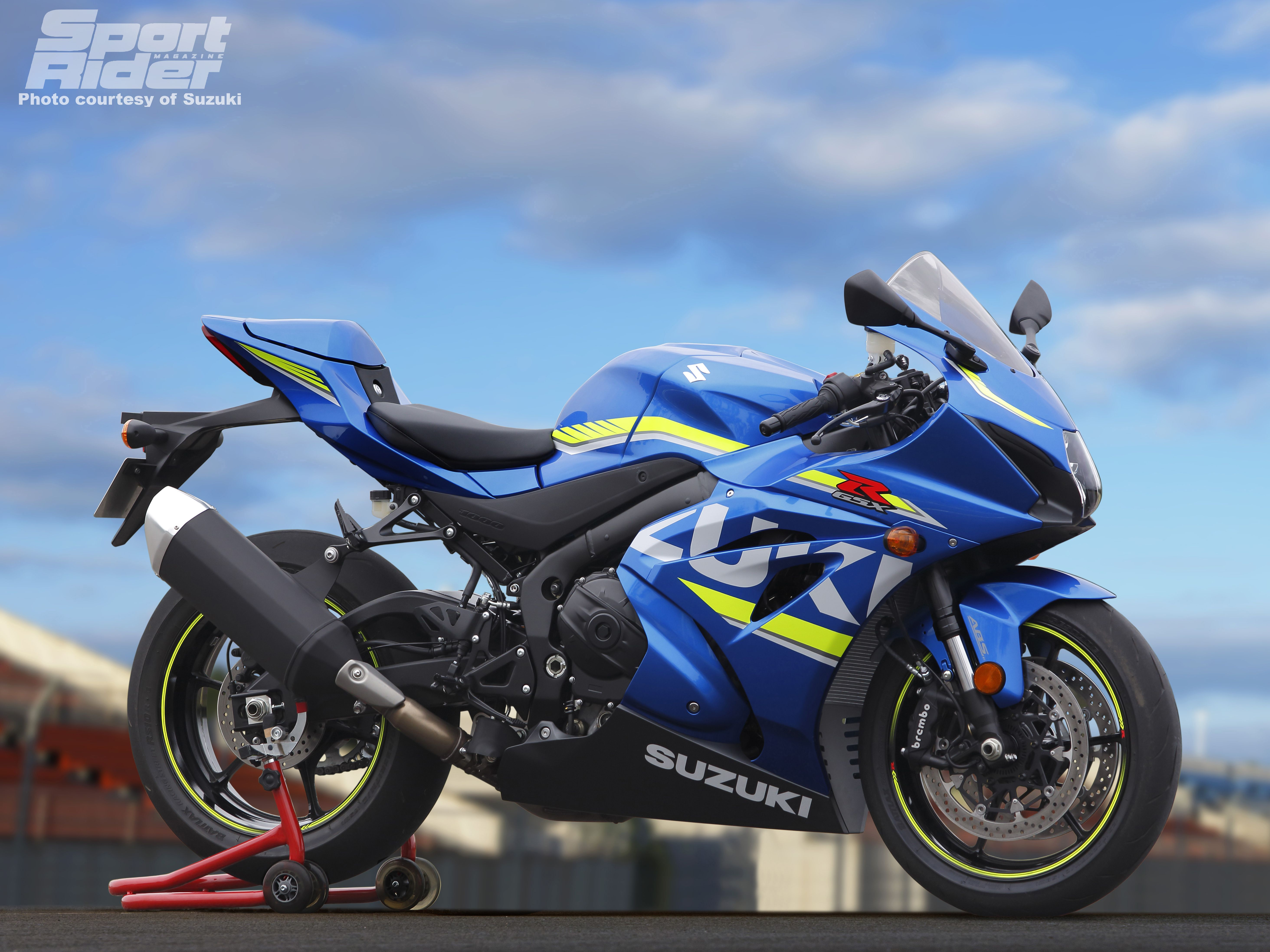 2017 suzuki gsx r1000 first look