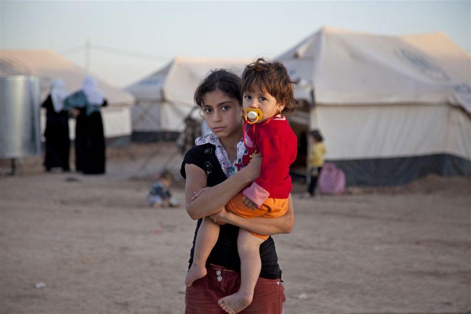 Sister And Sister Syrian Refugee Crisis Refugee Crisis Refugee