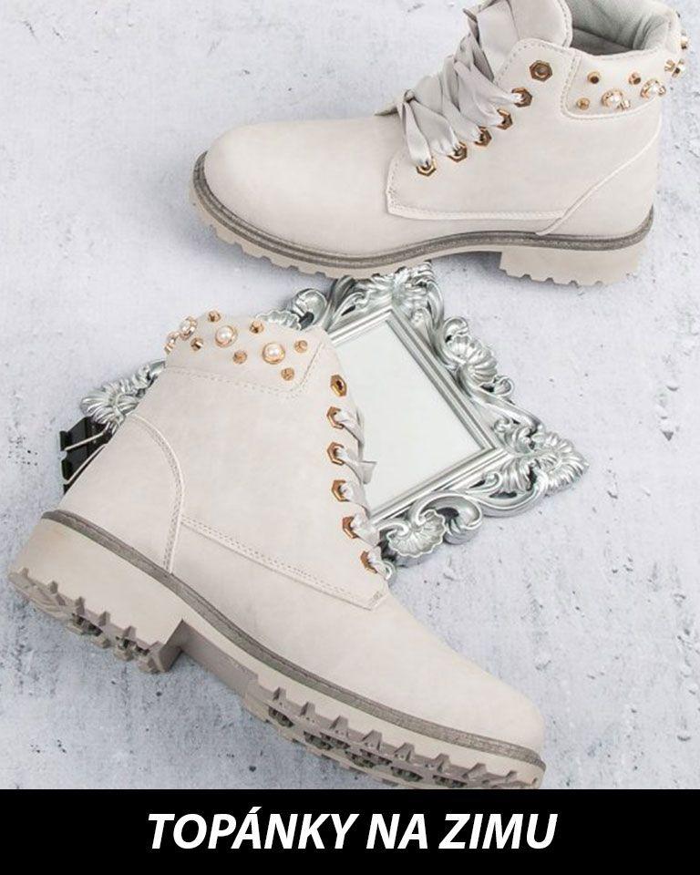 efbc76755041 Dlhodobo v zime vedú snehule (s kožušinou