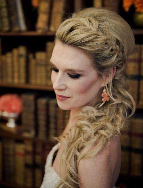Brautfrisuren Halboffen Seitlich  Hochzeit in 2019  Frisuren Frisur hochzeit und Brautfrisur
