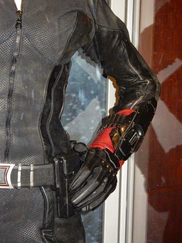 Black Widow Age Ultron: Black Widow Sting Gauntlet Avengers: Age Of Ultron