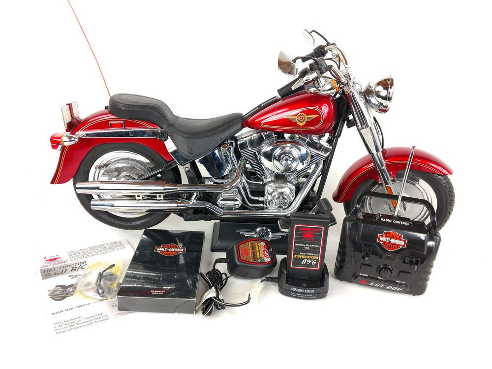 New Bright 1/4 Harley Davidson Fat Boy Radio Control Motorcycle 9 6v